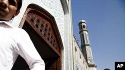 Poytaxt Dushanbedagi markaziy masjidda juma namozi