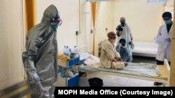 د رسمي شمیرو له مخې په افغانستان کې د کرونا ویروس د مثبتو پېښو شمېر ۴۱۶۳۳ ته ورسید