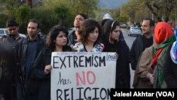 Warga Kristen Pakistan melakukan aksi unjuk rasa di Lahore, Senin (16/3).