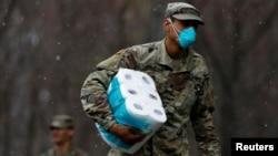 بخشی از نیروهای نظامی پیش از این هم در امدادرسانی به مردم نیویورک مشارکت داشتند