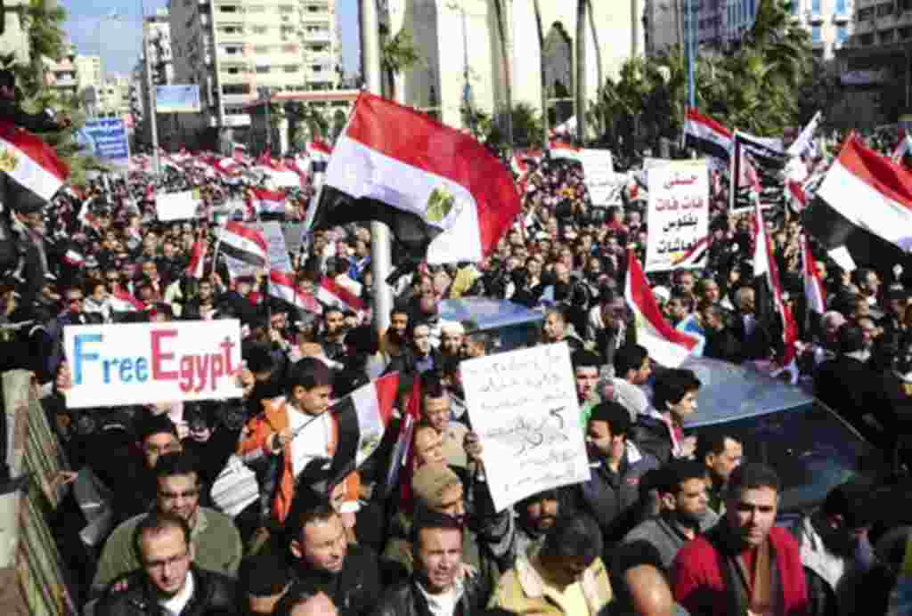 El presidente de Egipto, Hosni Mubarak, anuncia su renuncia al cargo como mandatario.