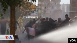 Piştgirên HDP'ê ku operasyna Tirkîyê ya ser Sûrîyê protesto dikin, dibin armanca tundîya polîsan