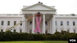 Gedung Putih ikut memperingati Oktober sebagai bulan kesadaran kanker payudara.