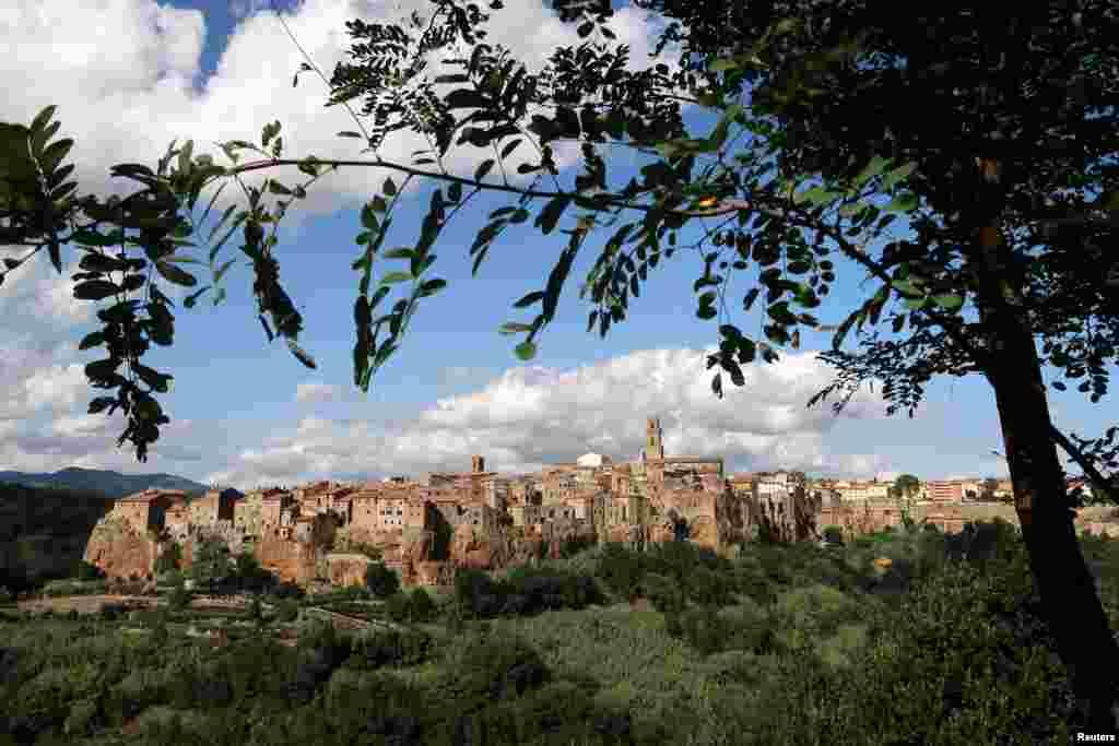 نمایی از منطقه «توسکانی» ایتالیا که ناحیه ای فرهنگی در این کشور محسوب می شود.