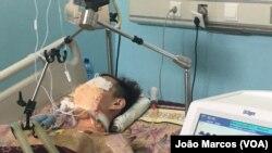 Cidadão chinês em Benguela, Angola, que morreu de pneumonia grave. Foto alterada para evitar ferir susceptibilidades