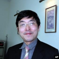 台湾智库执行委员 张国城