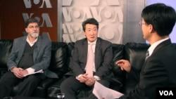 29일 VOA가 마련한 특집 좌담에 참석한 칼린 전 국무부 정보조사국 동북아 담당관(왼쪽)과 빅터 차 전 백악관 아시아담당 선임보좌관(오른쪽)이 기자의 질문에 답하고 있다.
