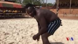 Eloi Zerbo champion de lutte burkinabè depuis 3 ans (vidéo)