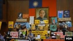台灣太陽花學運佔領立法院第17天(美國之音張佩芝拍攝)