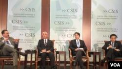 日本众议员,前日本防卫大臣中谷元(Gen Nakatani)、前防卫大臣小野寺五典(Itsunori Onodera)以及前防卫副大臣长岛昭久(Akihisa Nagashima)星期一在华盛顿智库战略与研究中心就日本在川普时代的朝鲜政策发表演讲。