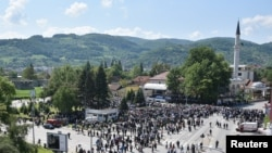 "FILE - General view of Ferhadija mosque during its opening ceremony in Banja Luka, May 7, 2016. Thousands flocked to the capital of Bosnia's Serb statelet for the reopening of a historic mosque destroyed during wartime, ""because it meant a big step in reconciliation, and peace,"" Mufti Osman Kozlic said."