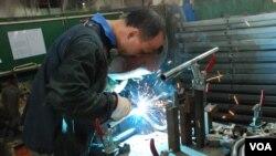 中國大陸台商表示,中國抵制日貨對替日商加工生產的台商生意有影響