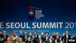 Presiden Susilo Bambang Yudhoyono (kiri depan) dan para pemimpin negara G20 lain pada KTT kelompok ini tahun lalu di Seoul.