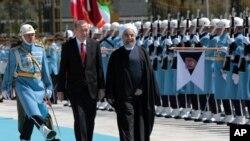 استقبال رسمی رجب طیب اردوغان رئیس جمهوری ترکیه از حسن روحانی رئیس جمهوری ایران در آنکارا - ۲۸ فروردین ۱۳۹۵