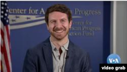 Alex Wall, Social Media Director, 2016 Clinton Campaign. (Foto: VOA/videograb)