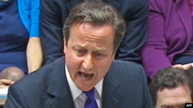 Britanski premijer Dejvid Kameron govori o prisluškivanju telefona u parlamentu