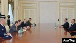 Prezident İlham Əliyev ABŞ müdafiə nazirinin müşaviri Evelin Farkasıni qəbul edib