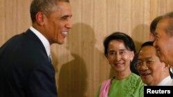 خانم آنگ به خاطر موقف گنگ خود در مورد روهنگیایی ها تحت انتقاد قرار دارد.