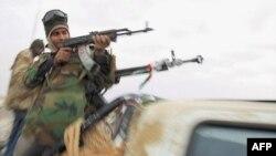 Libya'nın Tunus Sınırı Asilerin Kontrolunda