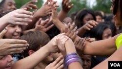 La primera dama Michelle Obama bailó con los chicos en el programa 'Let's Move!'.