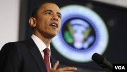 Barack Obama dijo que más de $33.000 millones de dólares congelados al régimen de Gadhafi estarán disponibles para reconstruir Libia.
