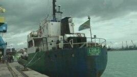 Durrës, bllokohet anija me 47 ton cigare