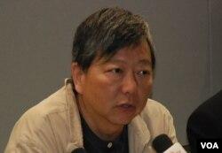 香港工黨主席李卓人表示,如果北京只是推動假普選,香港的局面會混亂
