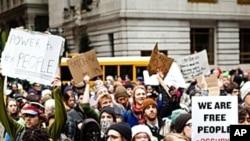 نیویارک میں ' وال سٹریٹ پر قبضہ کرلو' تحریک کا مظاہرہ
