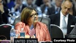 La Embajadora de Estados Unidos ante la OEA, Carmen Lomellin, durante la 42a. Asamblea General de la OEA. [Foto: OEA].
