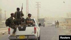 نیرو های داوطلب شیعۀ عراق که در برابر گروه داعش سلاح گرفته اند