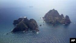 Tư liệu - Hai đảo đá được gọi là Dokdo trong tiếng Hàn và Takeshima trong tiếng Nhật