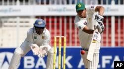 سری لنکا کے خلاف پاکستان کی بیٹنگ جاری