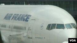 El último de los incidentes se produjo en la ruta Rio de Janeiro-París, la misma en la que en 2009 un avión con 228 ocupantes cayó en el Atlántico.