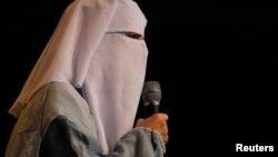 Nora Illi, représentante des affaires des femmes au Comité central islamique de Suisse à Bern, le 29 octobre 2011.