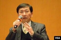 香港大學法律學院教授陳文敏。(美國之音湯惠芸攝)