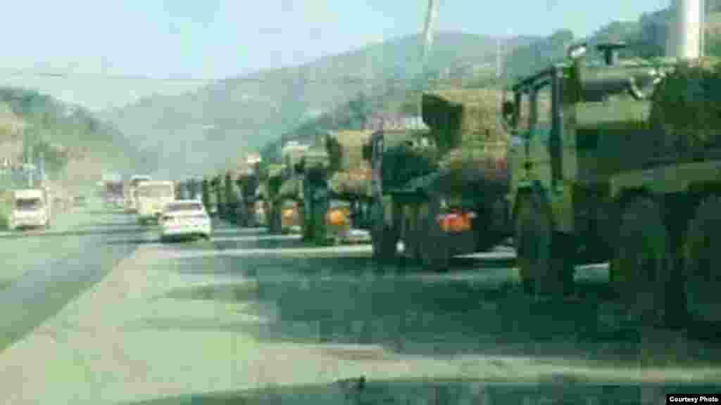 中方派出的战车。(边民杨先生提供)