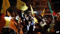 Palestinci proslavljaju odluku Generalne skupštine UN na ulicama Gaza Sitija.