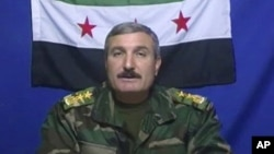 Komandar Rîyaz Esed.