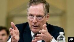 로버트 라이트하이저 미국 무역대표부 대표가 21일 하원 세출위원회 청문회에서 증언하고 있다.