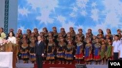 排湾租少年与台湾正副总统同唱国歌