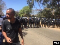 Police block doctors in Harare ...