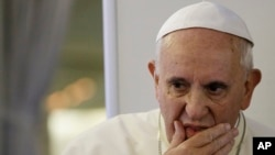 Ðức Giáo Hoàng trong cuộc họp báo trên đường trở về Rome từ Seoul, ngày 18/8/2014.