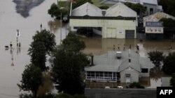 Австралійське містечко затопило втретє за два роки