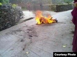 洛桑洛增点火自焚后的情况(印度格尔登寺提供)
