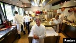 Chef Nadia Santini di restorannya, Dal Pescatore rdi kota Canneto Sull'Oglio di utara Italia. (Foto: Dok)