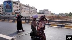 的黎波里平民紛紛逃離居住的城市