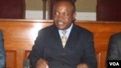 VaBernard Manyenyeni