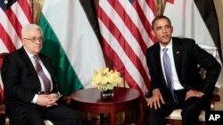 Rais Barack Obama (R) na Rais wa Palestina, Mahmoud Abbas