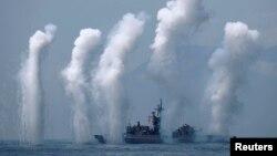 台防长:台海和南海会成为区域热点