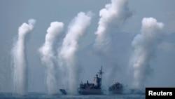 台灣諾克斯級巡航艦參加宜蘭海軍基地附近舉行的軍演。(2018年4月13日)